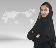 De traditionele Islamitische stafmedewerker in zaken presen Royalty-vrije Stock Foto's