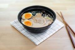 De traditionele Japanse soep ramen Stock Afbeelding