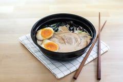De traditionele Japanse soep ramen Royalty-vrije Stock Foto's