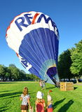 De traditionele lancering van de hete luchtballon Royalty-vrije Stock Afbeeldingen