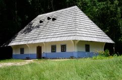 De traditionele middeleeuwse Oekraïense acacia en bekladt huis, Pirogovo Royalty-vrije Stock Fotografie