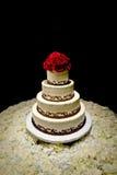De traditionele Ronde Tiered Cake van Huwelijk Vier Stock Afbeeldingen