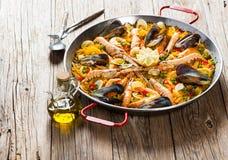 De traditionele Spaanse Paella van het voedsel stock foto's