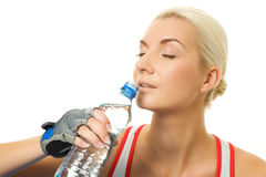 De trainer drinkwater van de geschiktheid Stock Foto