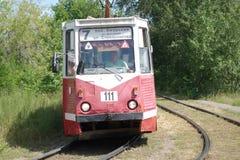 De tram maakt een scherpe draai Royalty-vrije Stock Foto