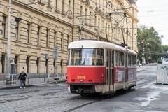 De tram van Praag stock afbeeldingen