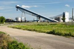 De Transportbanden van de steenkool stock afbeeldingen