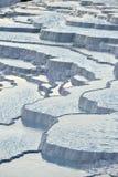De travertijnterrassen van Pamukkale Royalty-vrije Stock Foto