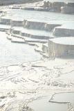 De travertijnterrassen van Pamukkale Stock Afbeeldingen