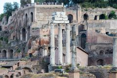 De tre Corinthian kolonnerna arkivbilder
