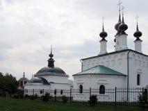 De tre kyrkorna av Suzdal Arkivbild