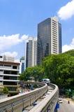 De trein komt bij een station aan. Kuala Lumpur Royalty-vrije Stock Foto's