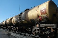 De trein van de bulk-olie. De tank met ruwe olie Stock Afbeelding