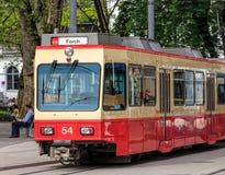 De trein van de Forchspoorweg in Zürich stock afbeelding