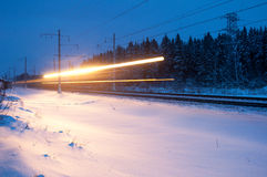 De trein van de nacht royalty-vrije stock afbeeldingen