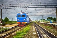 De trein van de passagier bij de post royalty-vrije stock foto's