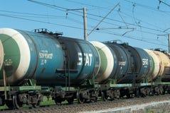 De trein van de ruwe olietankwagen stock foto's