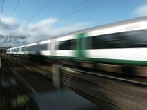 De trein van de spoorweg bij snelheid Stock Foto's