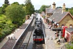 De trein van de stoom bij post Arley Royalty-vrije Stock Afbeeldingen