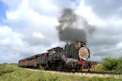 De trein van de stoom in Cuba stock afbeeldingen
