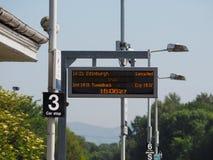 De trein van Edinburgh in Edinburgh wordt geannuleerd dat royalty-vrije stock foto's