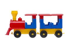 De trein van het stuk speelgoed die op de witte achtergrond wordt geïsoleerd? Kleurrijke die stuk speelgoed trein op witte achter stock foto's
