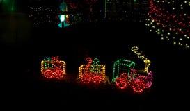 De Trein van het Stuk speelgoed van Litte in de Lichten van Kerstmis Royalty-vrije Stock Afbeelding