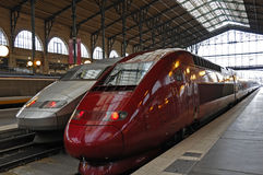 De treinen van de hoge snelheid royalty-vrije stock afbeelding