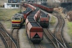 De treinen van de steenkool Stock Afbeeldingen