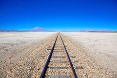 De treinsporen van de woestijn, Bolivië Royalty-vrije Stock Foto's