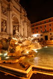 De Trevi fontein bij nacht Royalty-vrije Stock Foto's