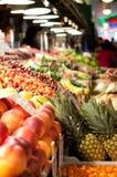 De tribune van het fruit bij de Markt van de Plaats van Snoeken, Seattle Royalty-vrije Stock Fotografie