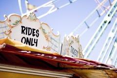 De tribune van het kaartje bij een themapark Royalty-vrije Stock Afbeelding