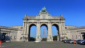 De triomfantelijke boog in Parc du Cinquantenaire in Brussel Royalty-vrije Stock Foto's