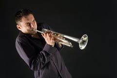 De trompet van de mens Stock Afbeeldingen