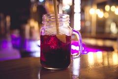 De tropische Cocktail van de Nacht royalty-vrije stock foto's