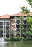 De tropische hotelbouw Stock Afbeeldingen