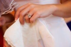 De trouwring van bruiden Royalty-vrije Stock Foto's
