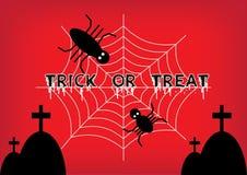 De truc of behandelt woorden met spin die op spiderweb beklimmen stock foto