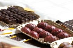 De truffels van de chocolade en ander suikergoed Stock Afbeeldingen