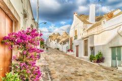 De Trulli husen av Alberobello i Apulia i Italien Royaltyfri Bild