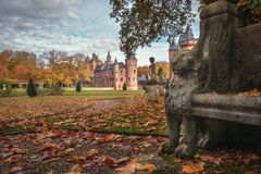 De tuin van het de herfstkasteel Stock Afbeelding