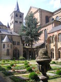 De tuin van het klooster royalty-vrije stock fotografie