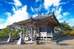 De tuin van Zen bij een zonnige ochtend royalty-vrije stock foto's