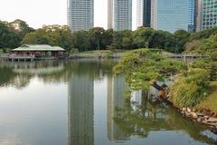 De tuin van Zen van Hamarikyu royalty-vrije stock foto