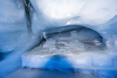 De tunnel van het gletsjerhol bij Onderstel Titlis Royalty-vrije Stock Fotografie