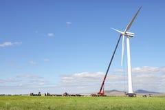 De turbine van de wind in aanbouw Stock Afbeelding