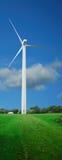 De turbine van de wind met weg Stock Foto's