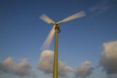 De turbine van de wind in motie Royalty-vrije Stock Afbeeldingen