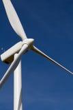 De turbine van de wind op blauwe hemel Stock Afbeelding